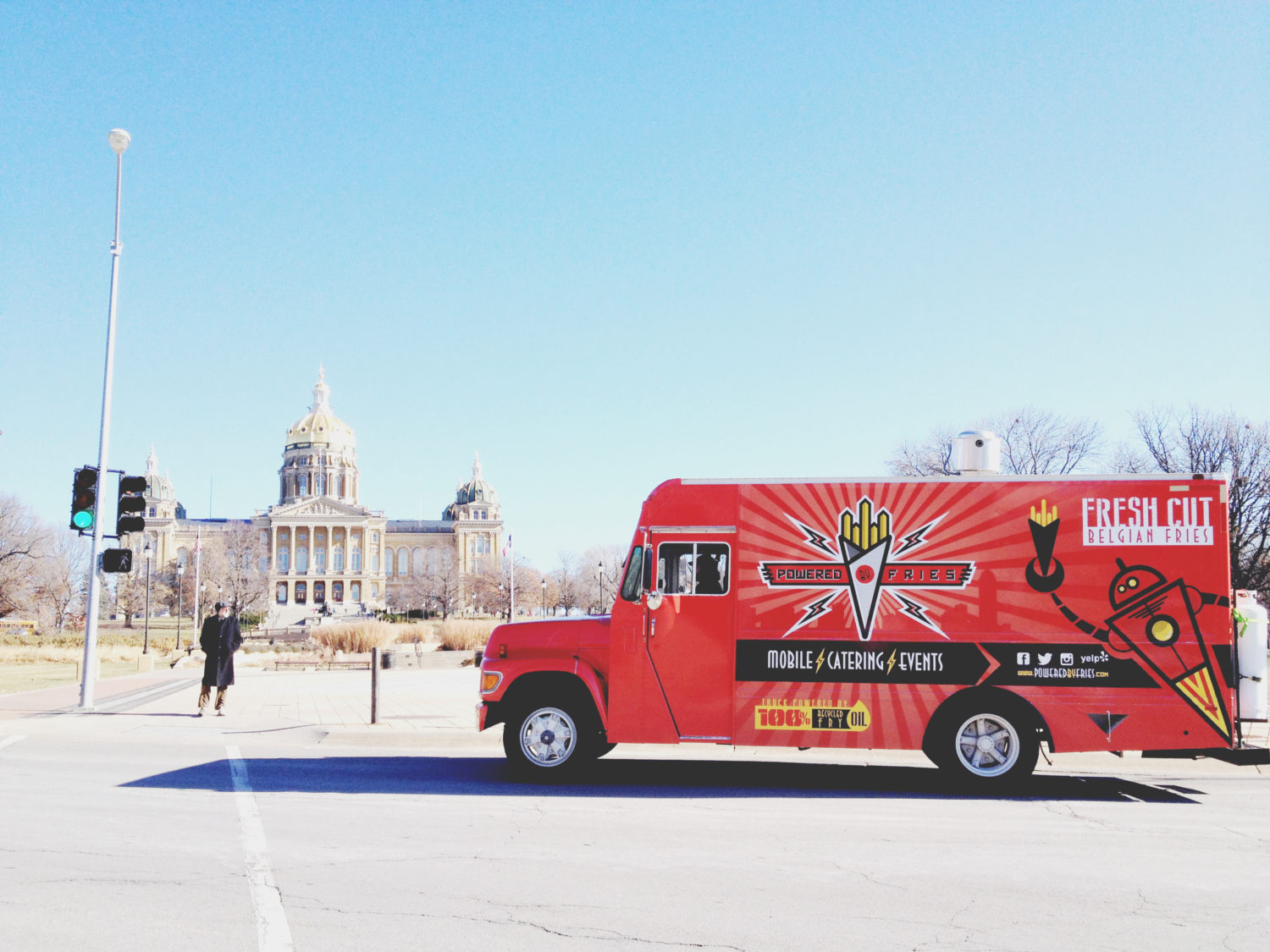 farmboy-powered-by-fries-food-truck-iowa-capital-photo